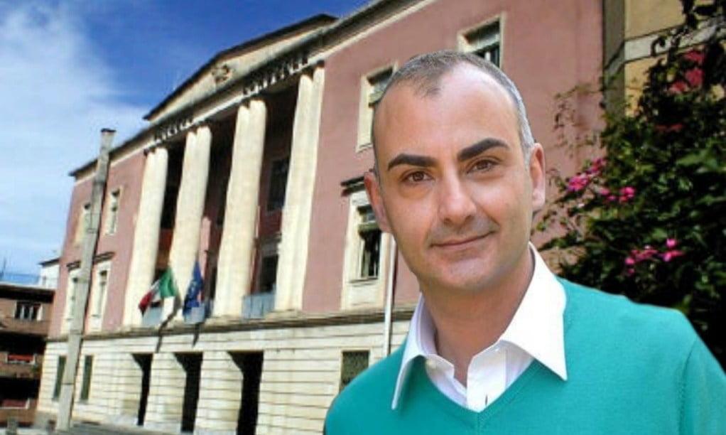 Prefetto sospende sindaco di Bronte: per giunta e consiglieri Calanna è innocente
