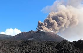 ETNA MONITORATA DALLA GUARDIA COSTIERA E DAI VULCANOLOGI DELL'INGV