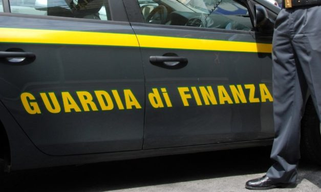 SEQUESTRATE 5 TONNELLATE E MEZZO DI HASHISH NEL CANALE DI SICILIA TRASPORTATE DA UN VELIERO