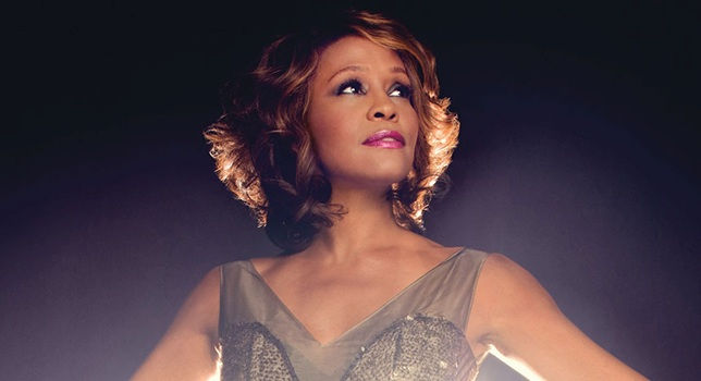 WHITNEY HOUSTON TORNA IN TOUR GRAZIE AL SUO OLOGRAMMA