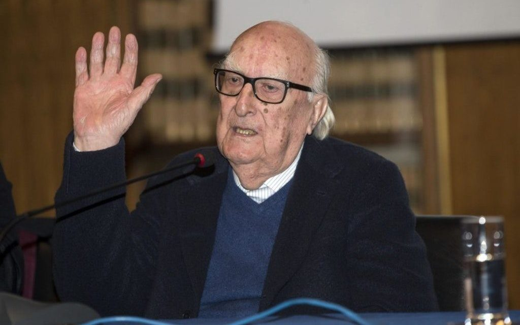 LO SCRITTORE ANDREA CAMILLERI RICOVERATO D'URGENZA. HA AVUTO UN ARRESTO CARDIACO